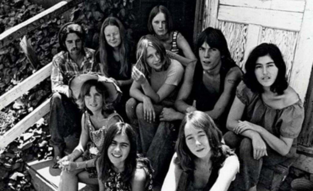 Família Manson, seita de Charles Manson, sediados na California